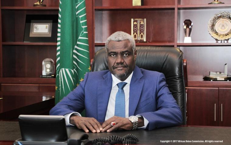 Le Président de la Commission de l'Union africaine Moussa Faki Mahamat salue le paraphe du décret constitutionnel qui vient completer la Declaration  Politique deja adoptée par les parties.